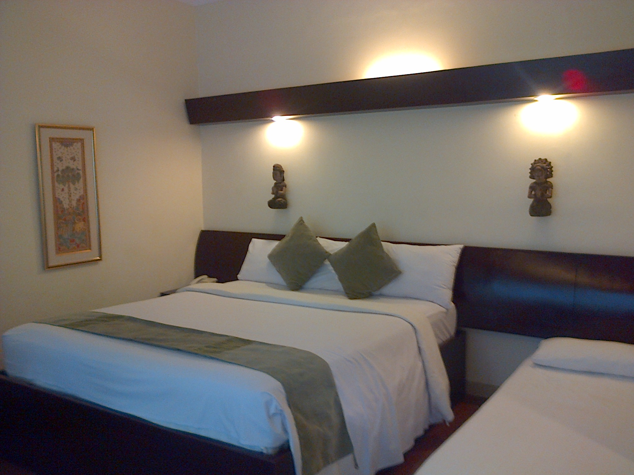 Camera-Respati-beach-hotel-room