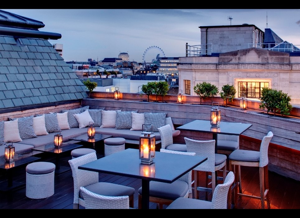 Extremely popular features of rooftop restaurant designs